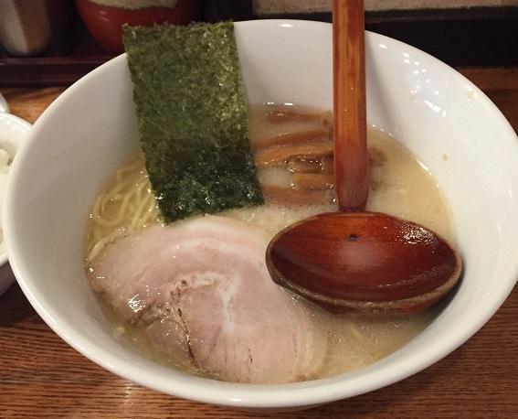 百歩ラーメン塩