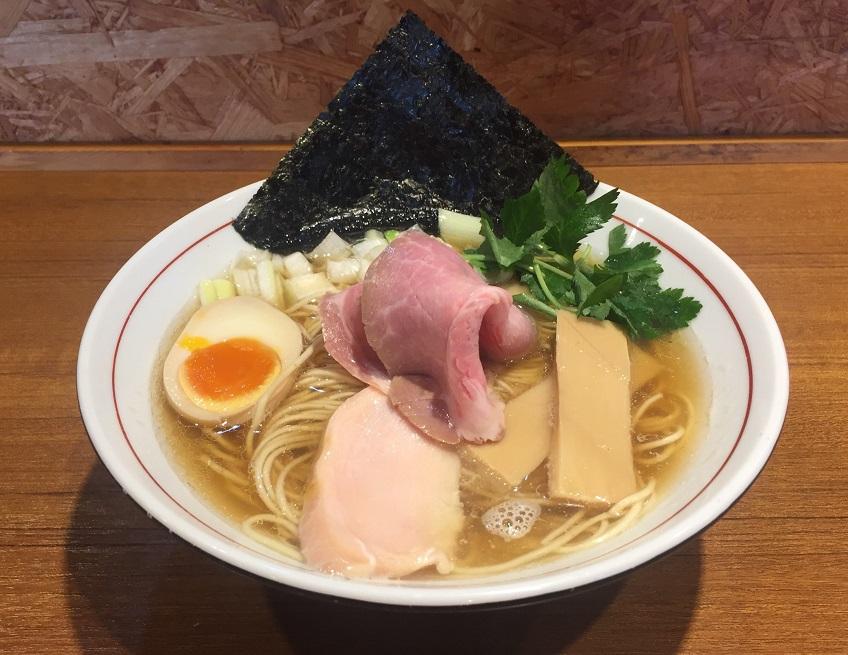 【外食スポット:らーめん】『寿製麺 よしかわ 』の煮干そば白醤油を食してきました。
